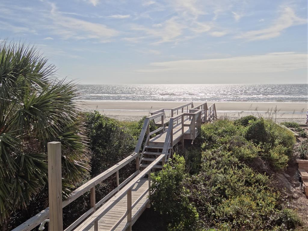 Direct Boardwalk To Beach & Benches