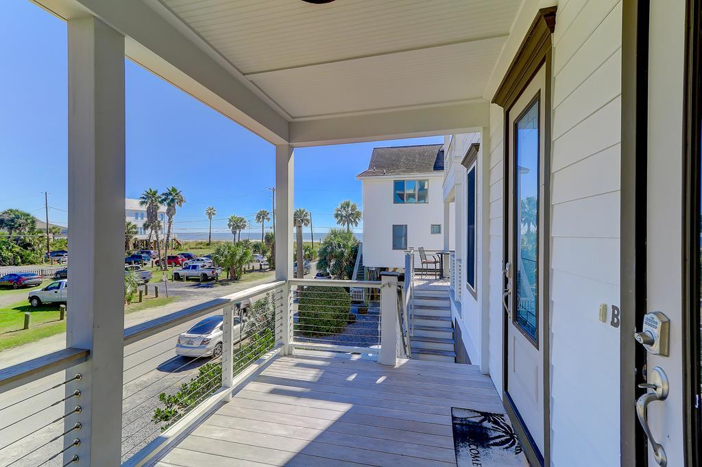 Front Porch - Across street from beach access!