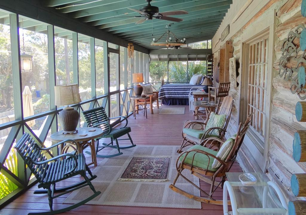 Screen Porch & Daybed