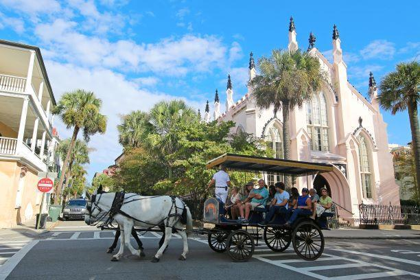 Carriage Tours iStock-1093580244