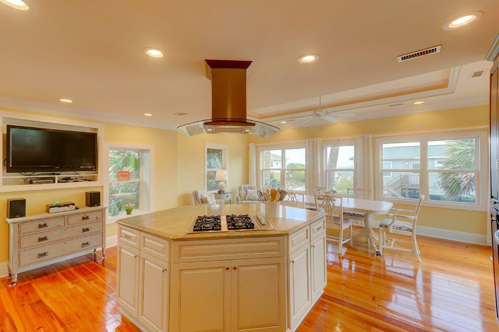 Kitchen & Dining Area with Ocean Views