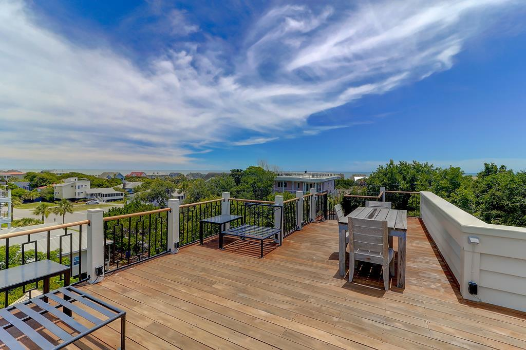 Rooftop Deck with Amazing Views