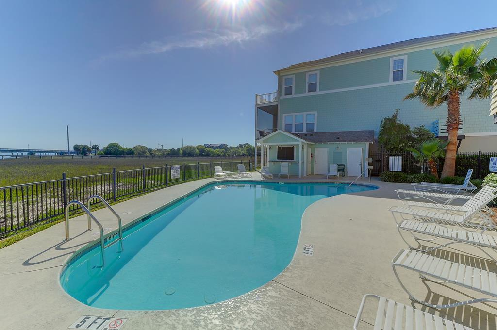 Waters Edge Community Pool & Dock on the River