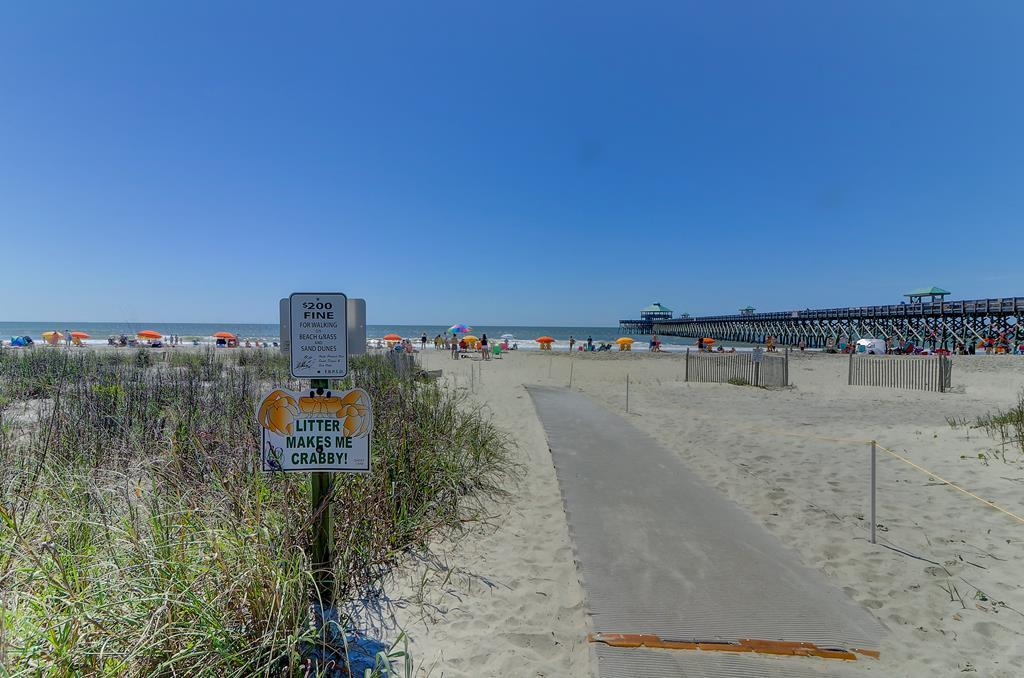 Direct Beach Access Next To Complex