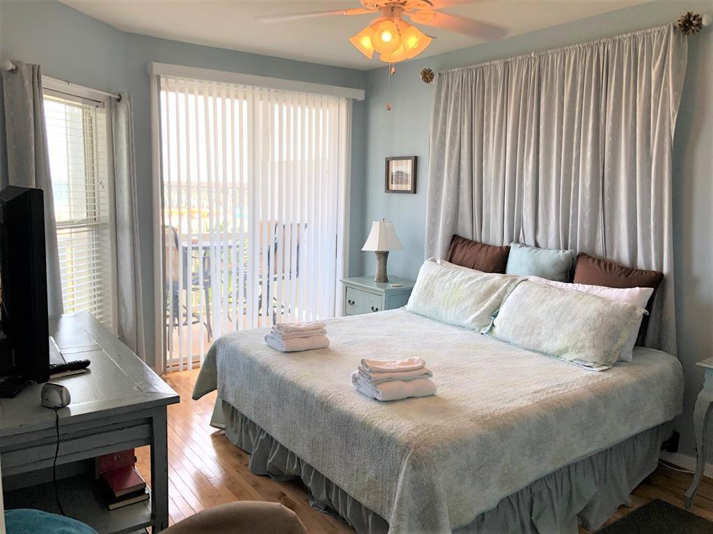 Oceanfront King Master Suite