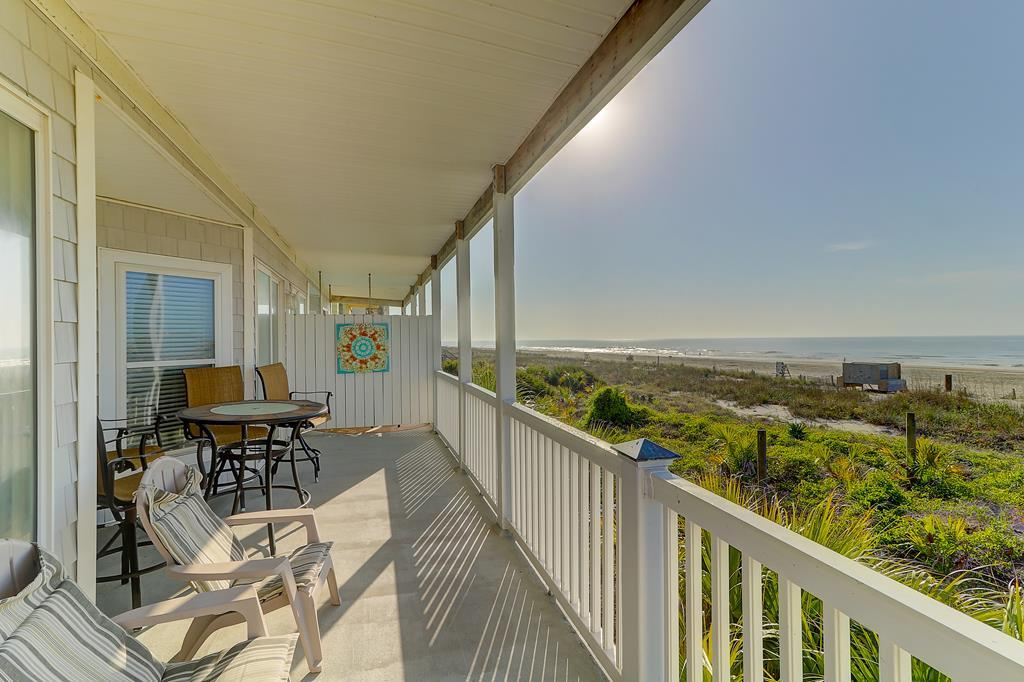 Oceanfront Porch - 1 Block to Town
