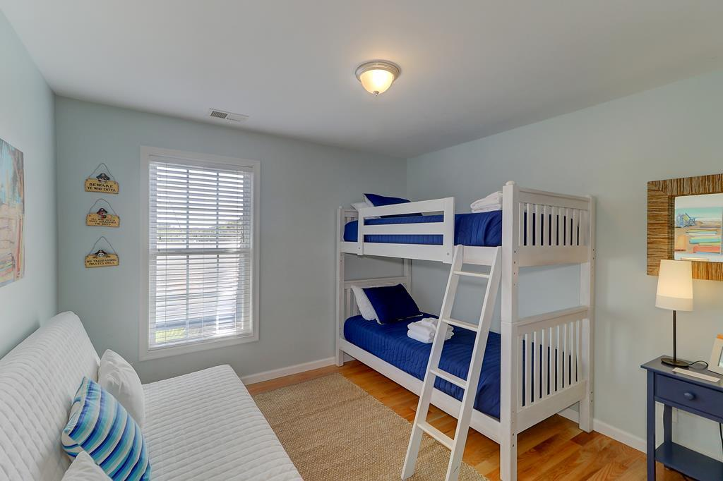 Twin Bunk Beds with Full Daybed