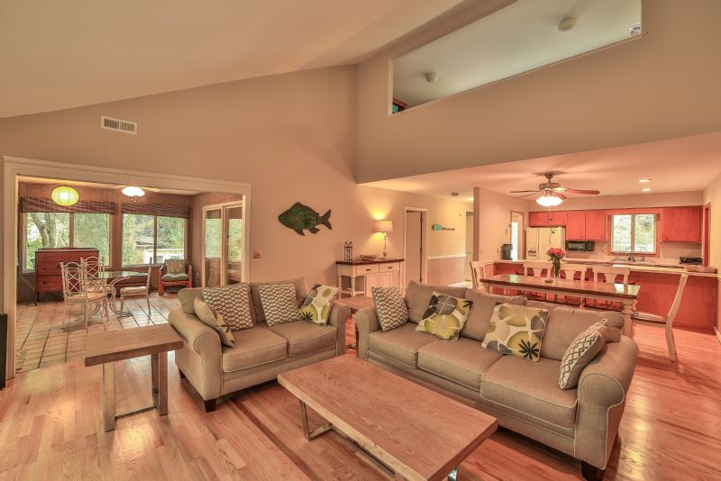 East Huron Avenue 0305 - Cabin by the Sea | Photo 10