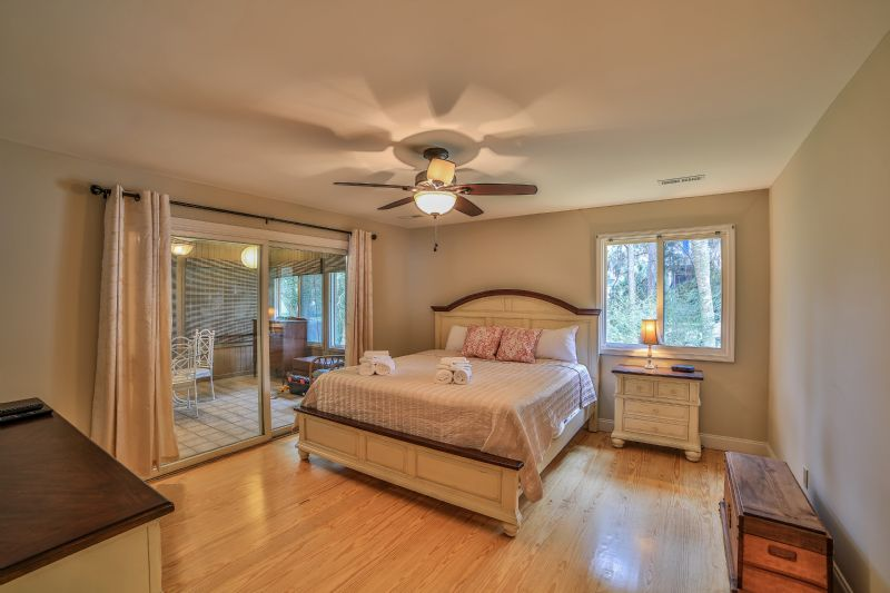 East Huron Avenue 0305 - Cabin by the Sea | Photo 12