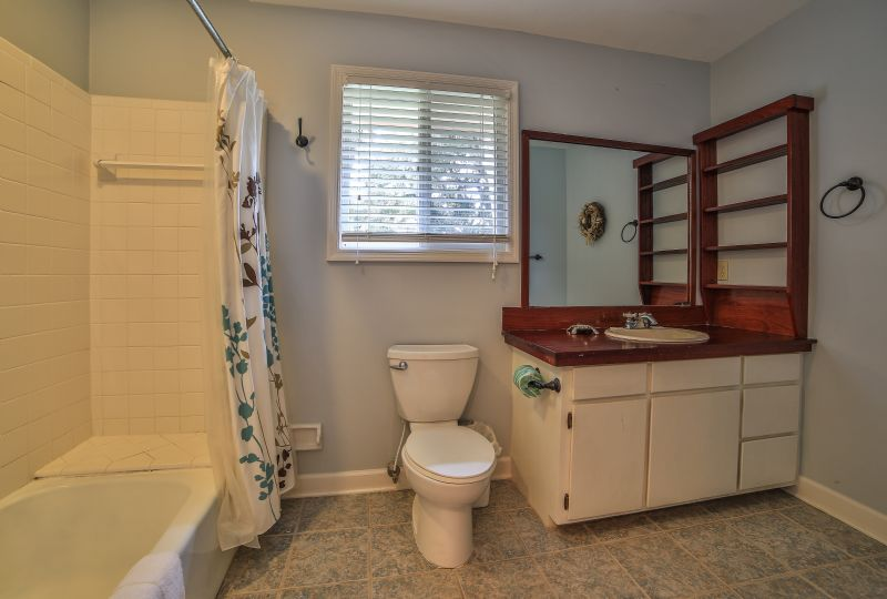 East Huron Avenue 0305 - Cabin by the Sea | Photo 14