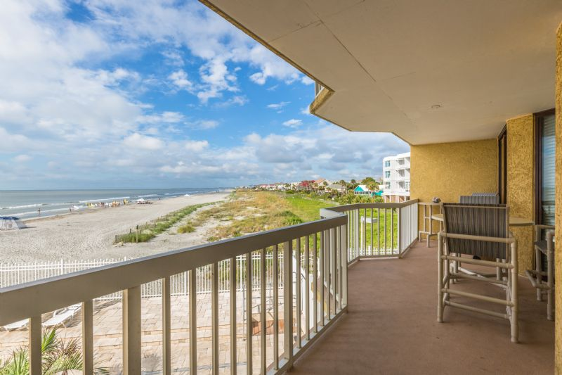 Chas. Oceanfront Villas 123 - Sunset on the Rox | Photo 4