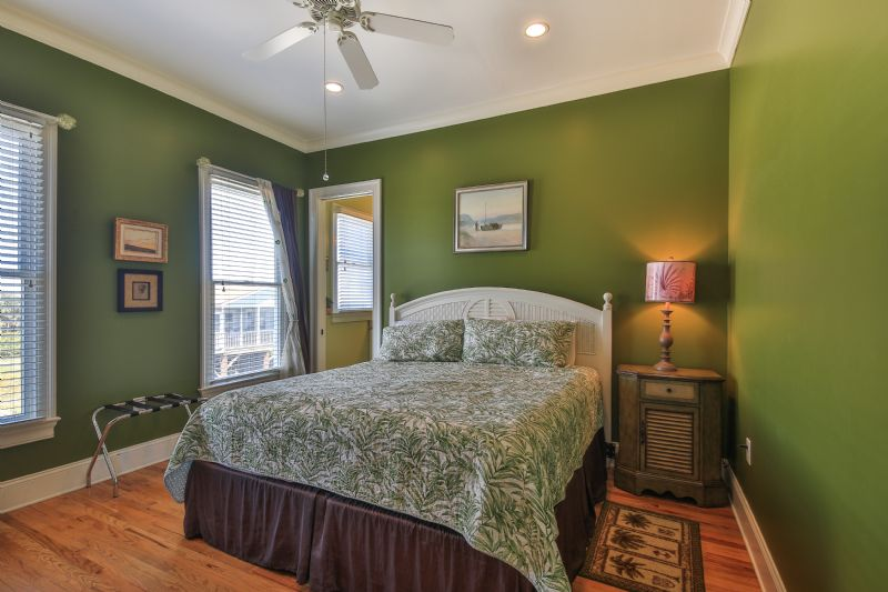 East Ashley Avenue 1709 - Paradise Weiss | Photo 14