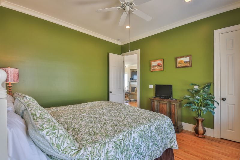 East Ashley Avenue 1709 - Paradise Weiss | Photo 15