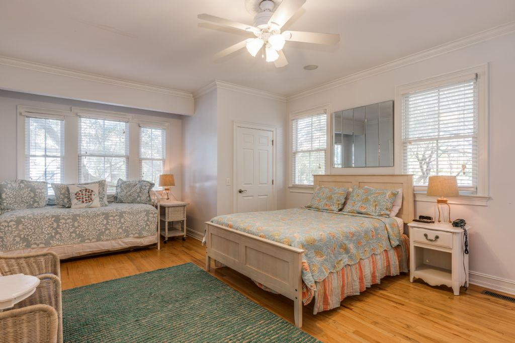 54th Ave 14 - Sandy Shanty | Photo 43