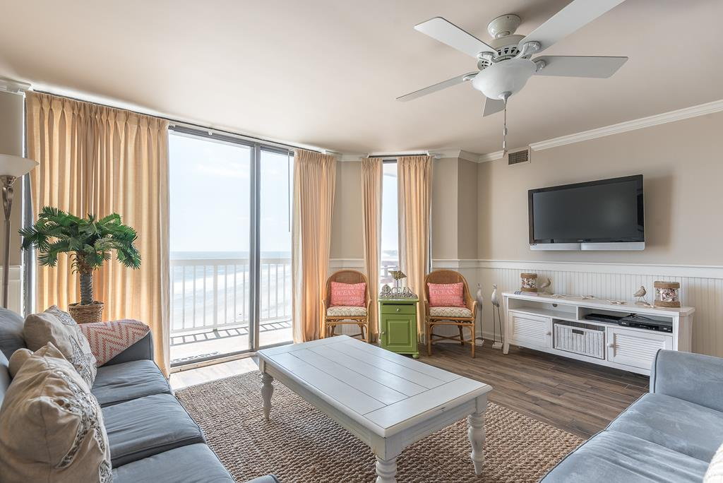Chas. Oceanfront Villas 422 - A View to Remember   Photo 11