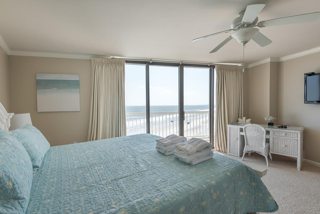 Chas. Oceanfront Villas 422 - A View to Remember   Photo 13