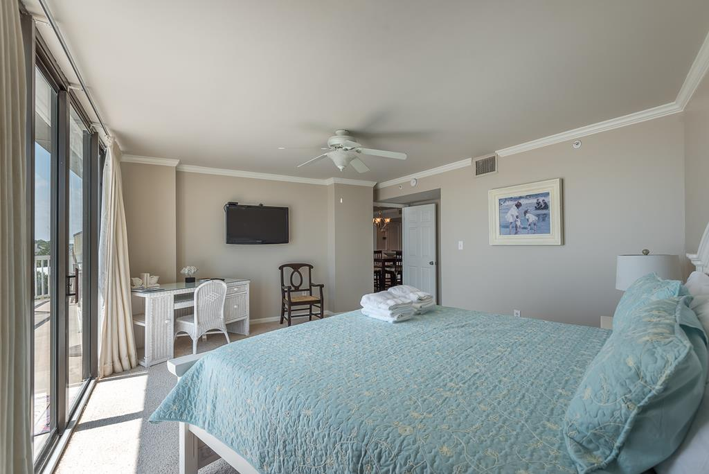 Chas. Oceanfront Villas 422 - A View to Remember   Photo 14