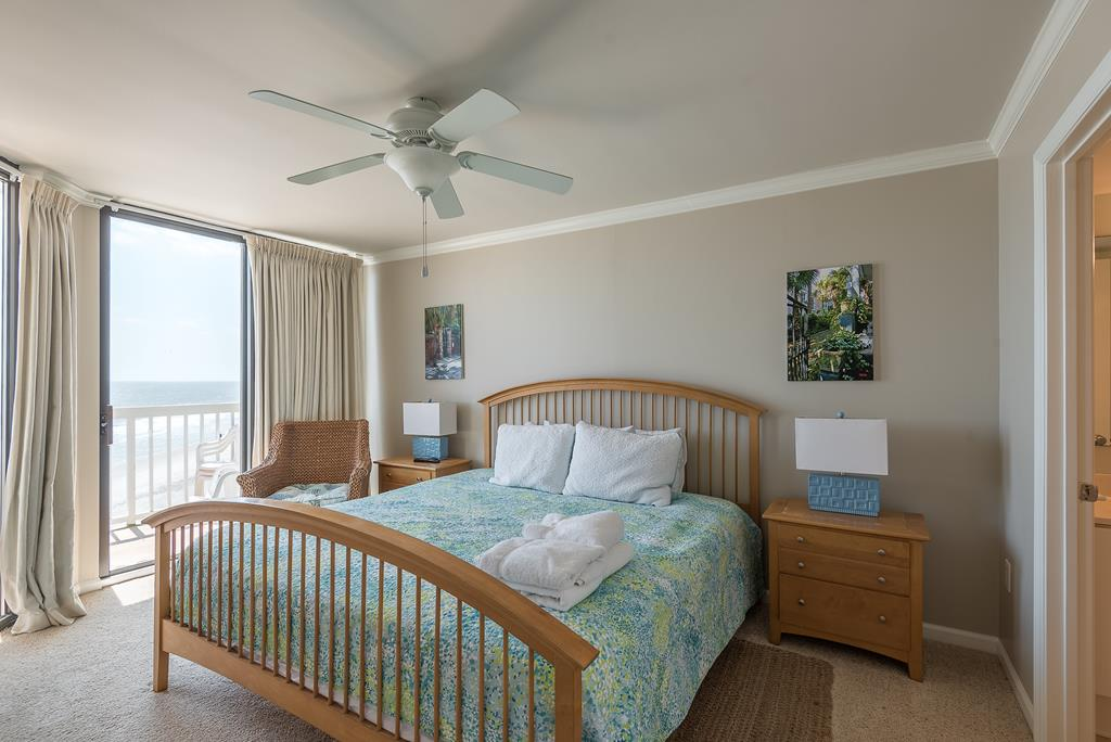 Chas. Oceanfront Villas 422 - A View to Remember | Photo 18