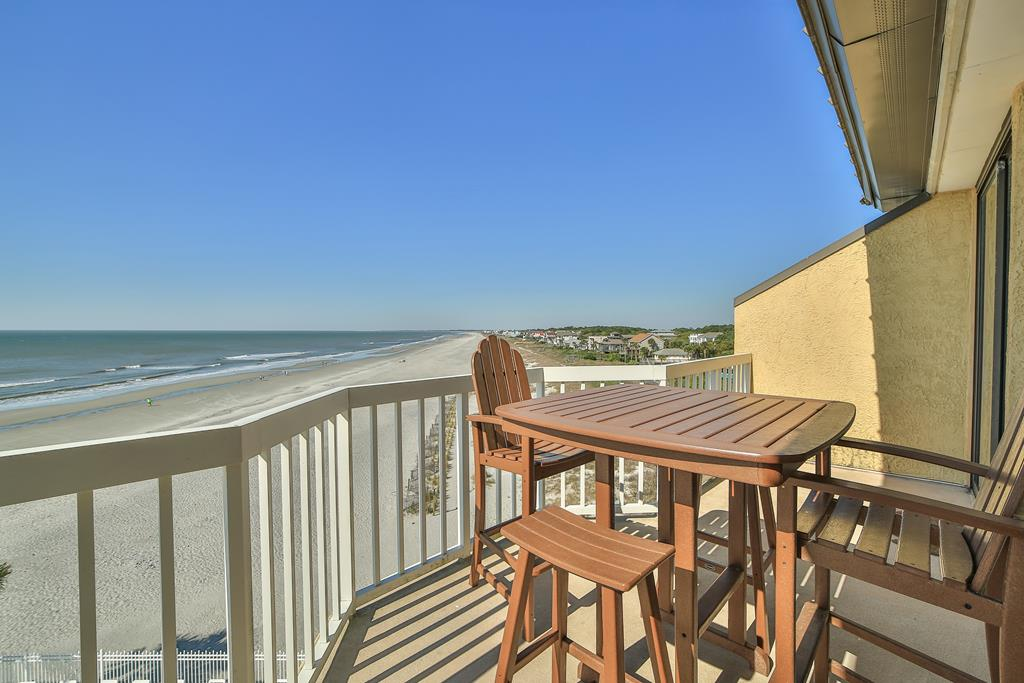 Chas. Oceanfront Villas 422 - A View to Remember   Photo 2