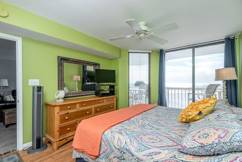 Chas. Oceanfront Villas 123 - Sunset on the Rox | Photo 22