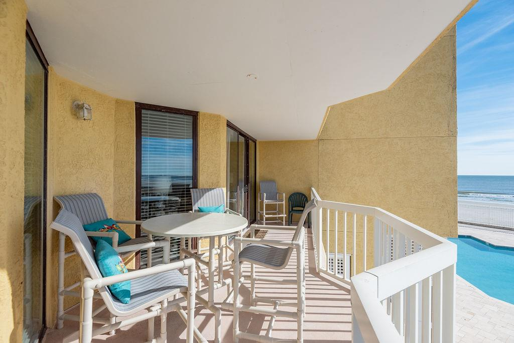 Chas. Oceanfront Villas 123 - Sunset on the Rox | Photo 26