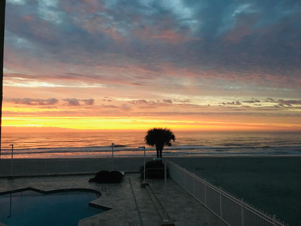 Chas. Oceanfront Villas 123 - Sunset on the Rox | Photo 3