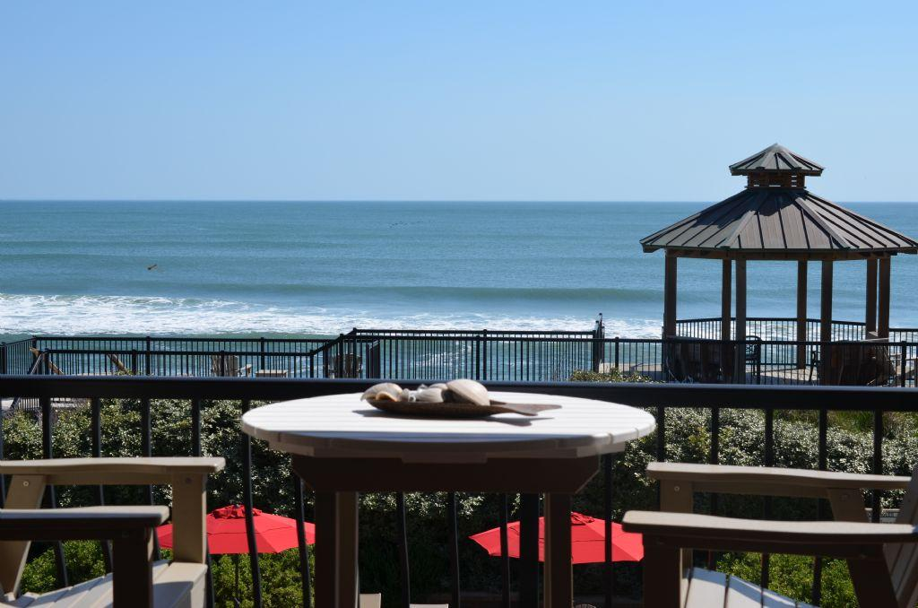 csc3o-lands-end-obx-amazing-oceanfront-townhouse-condo-outdoor-and-indoor-pool-spa