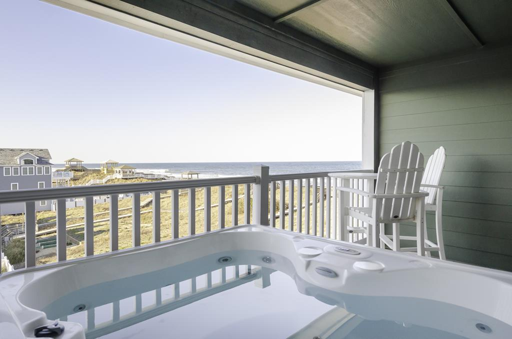 ffr302-the-starboard-top-floor-private-hot-tub-oceanview-tile-walkin-shower-first-flight-retreat
