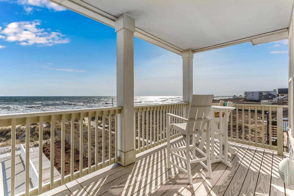 sc304-out-of-practice-2-br-oceanfront-with-endless-ocean-views