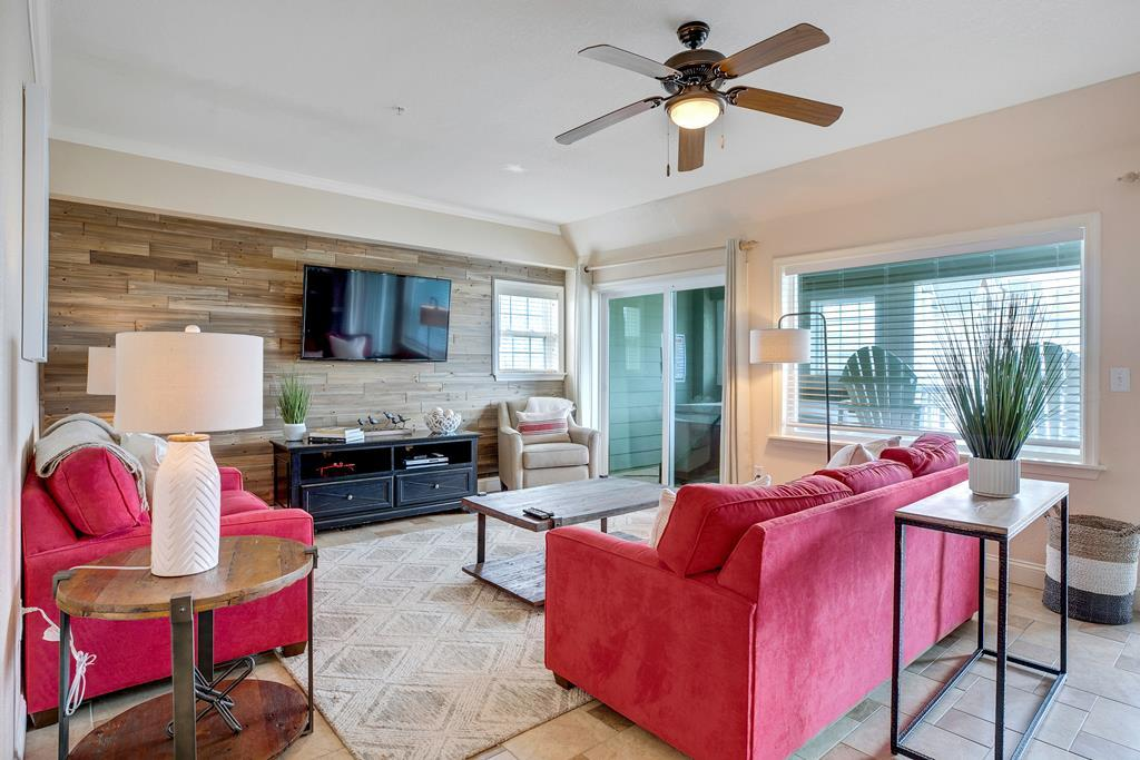 ffr101-the-wright-idea-premier-oceanside-condo-with-private-hot-tub-with-lots-of-recent-updates