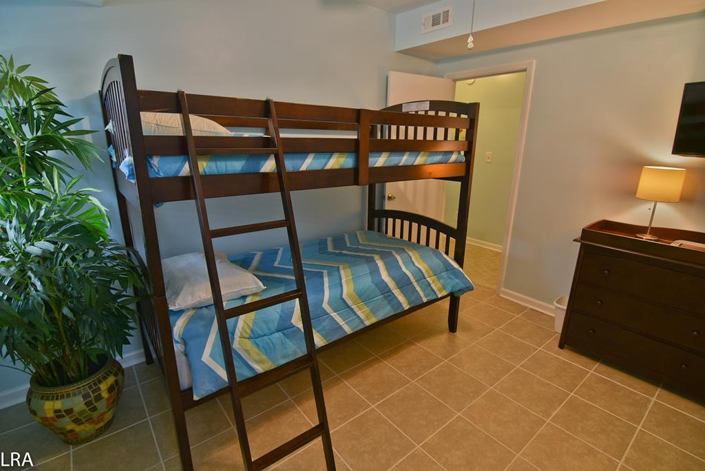 Bedroom 3 (Bunk Beds)