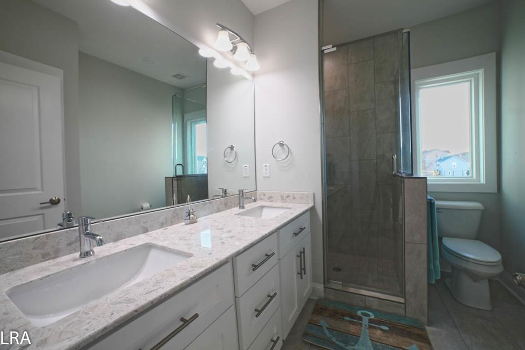 Master Bathroom (Attached to King Bedroom)