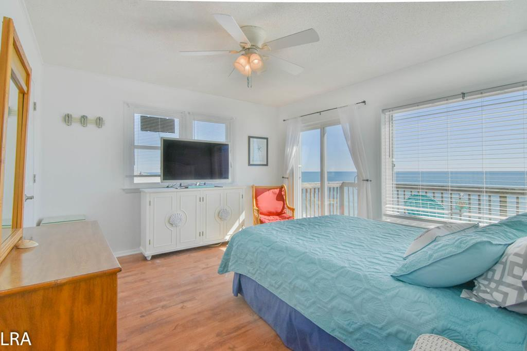 Master (Queen) Ocean Front Bedroom - Upstairs