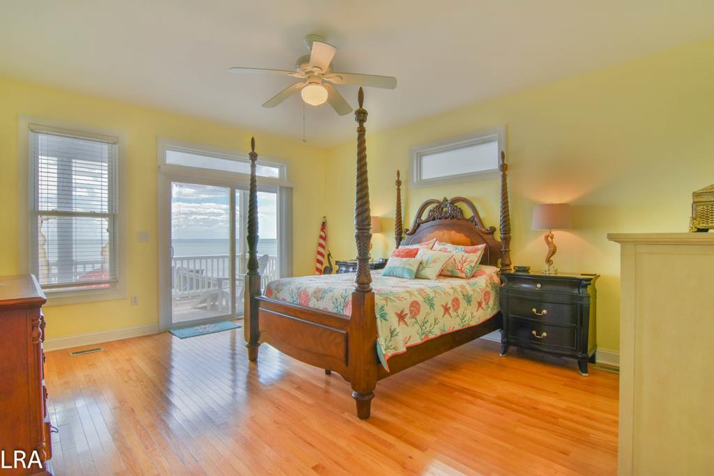 Master Bedroom - Queen Oceanfront