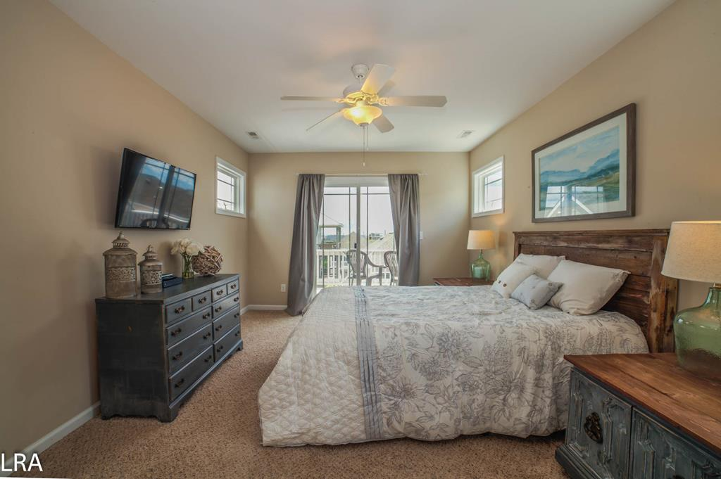 Master Suite (Queen) - Top Floor