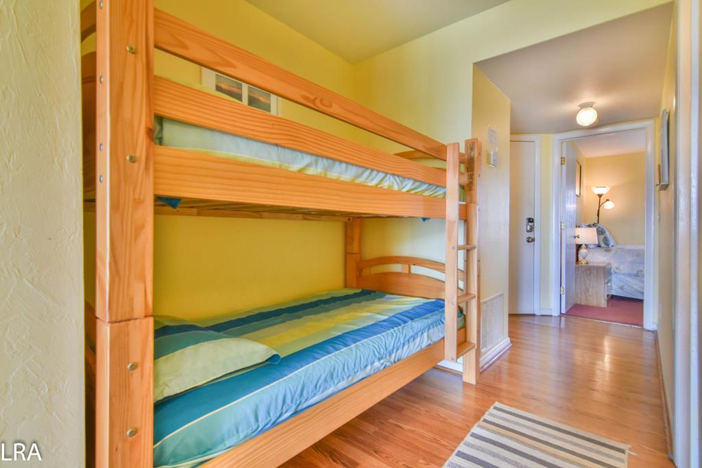 Bunkbeds (Two Twins - In Hallway)