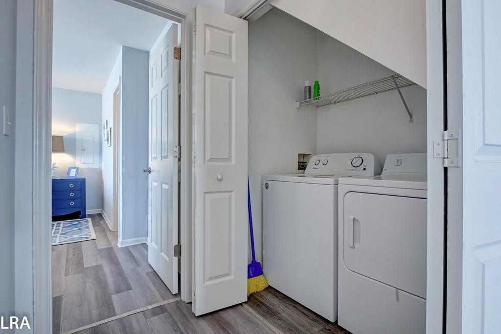 Laundry in Middle Floor Hall