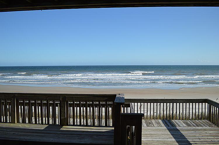 Oceanfront Deck, View 03