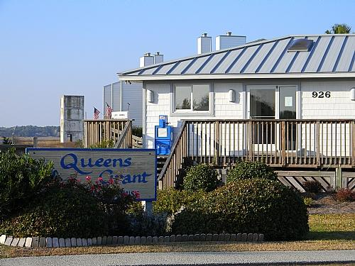 Queen's Grant Clubhouse