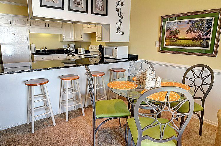 Dining Table & Kitchen Bar