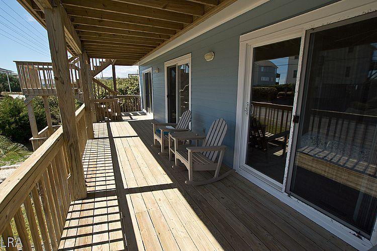 Lower ocean side deck